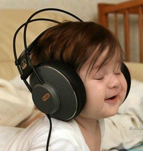 طفل صغير جميله جدا